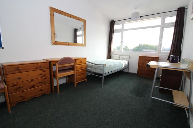 Thumbnail Room to rent in Kensington Place, Norwich