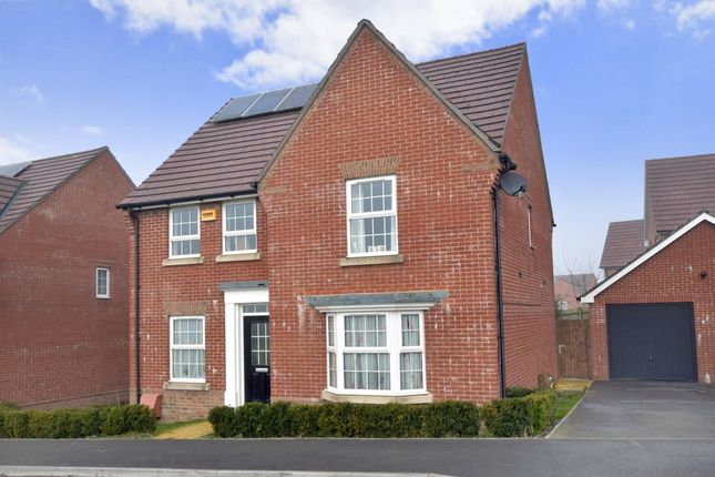 Thumbnail Detached house to rent in Endal Way, Clanfield, Waterlooville