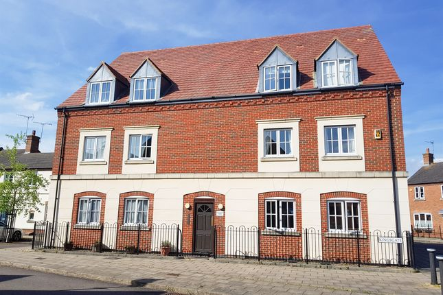 Flat for sale in Windmill Close, Aylesbury
