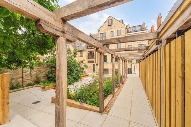 Thumbnail Flat for sale in Barton Road, Newnham, Cambridge