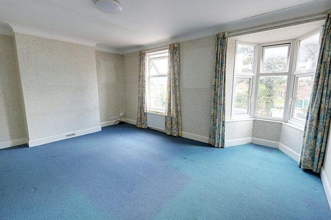 Thumbnail Maisonette to rent in Swakeleys Road, Ickenham