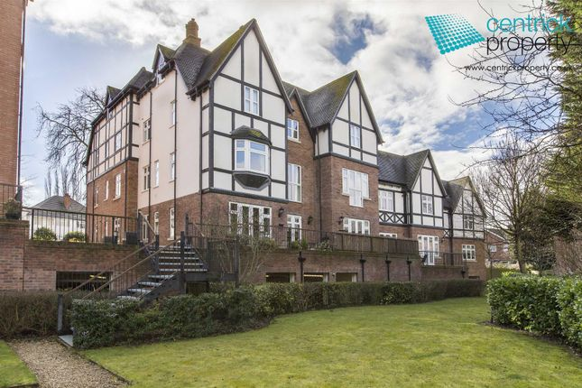 2 bed flat to rent in Chadwick House, Station Road, Dorridge