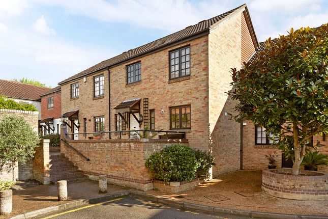 Thumbnail Terraced house to rent in The Farthings, Kingston Upon Thames