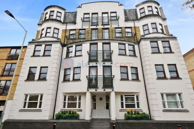 2 bed flat for sale in Rotherhithe Street, London