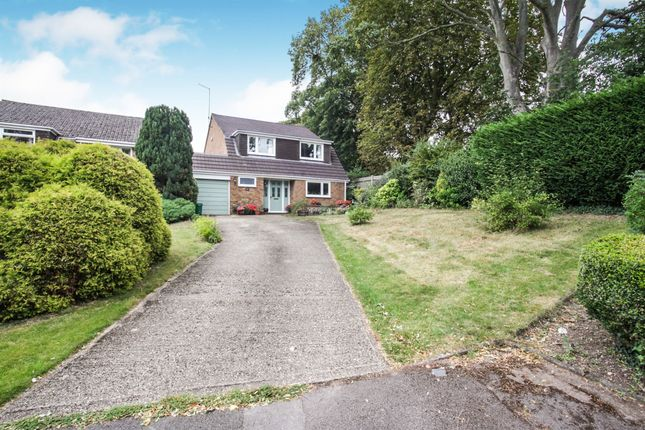 Thumbnail Detached house for sale in Brookfield Close, Tring