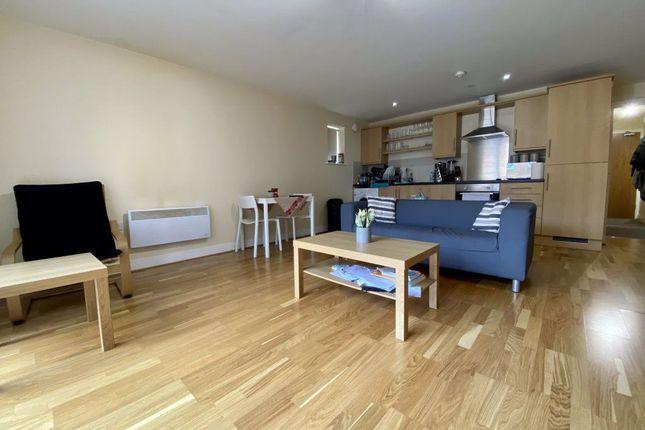 1 bed flat to rent in Churchill Villas, Churchill Way, City Centre CF10