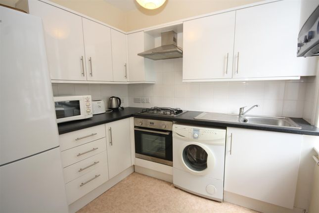 Thumbnail Flat to rent in Chichele Road, Cricklewood, London
