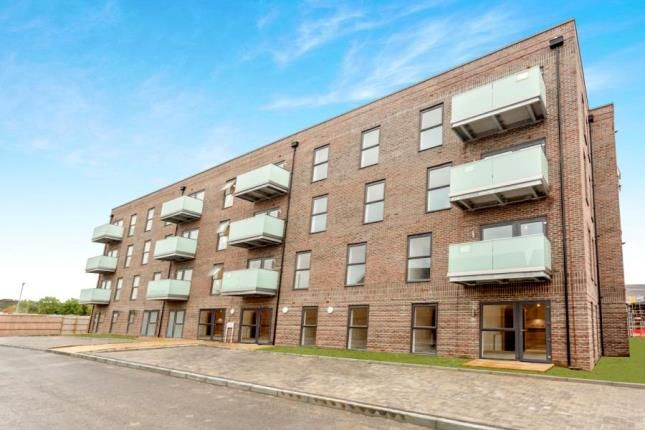 Thumbnail Flat for sale in West Thurrock Essex