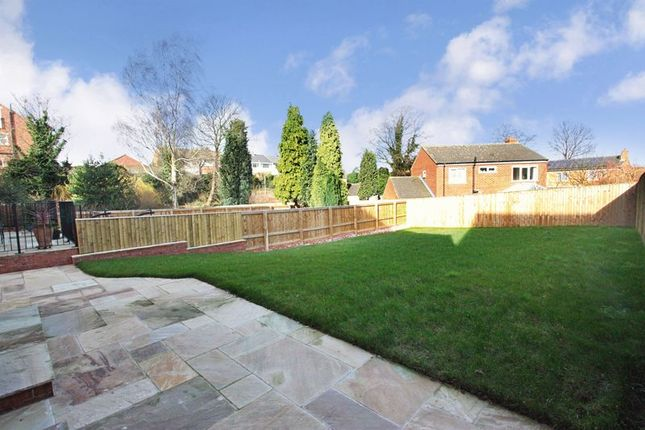 Thumbnail Detached house for sale in Houndhill Lane, Featherstone, Pontefract