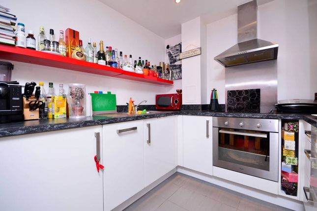 1 bed flat to rent in Lloyds Row, Clerkenwell