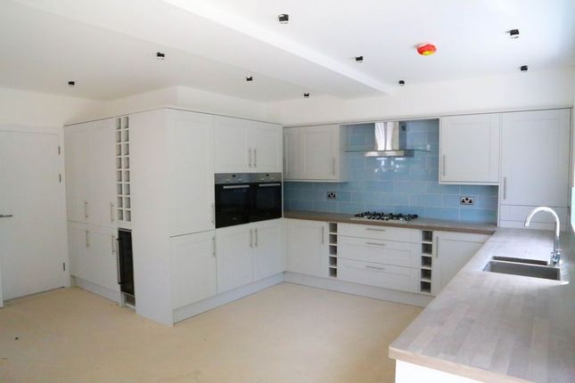 Thumbnail Detached house for sale in Heathcote Grove, Chingford