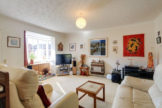 Living Room of Yew Tree Drive, Kingsteignton, Newton Abbot TQ12