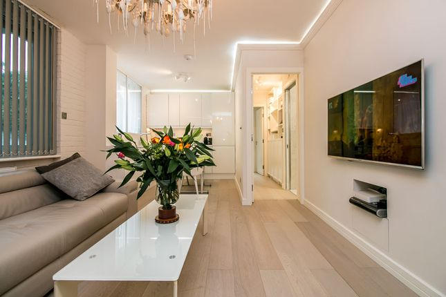 Thumbnail Flat for sale in Notting Hill Gate, London