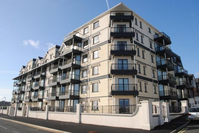 Thumbnail Flat to rent in Kensington Place, Onchan