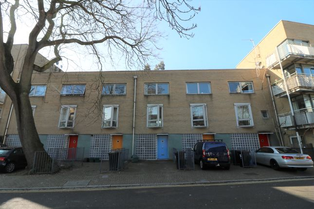Thumbnail Town house to rent in Lowther Road, London