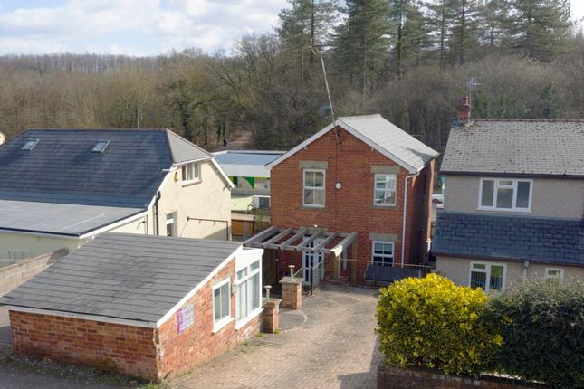 3 bed property for sale in High Street, Brierly, Nr Drybrook GL17