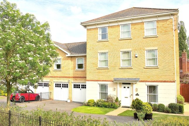 Thumbnail Link-detached house for sale in Flitch Green, Dunmow, Essex