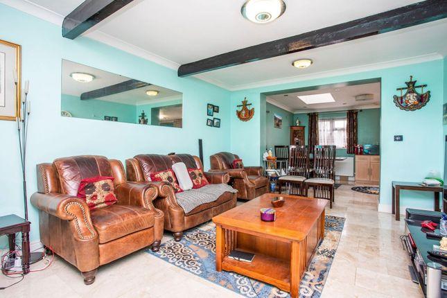 Living Room of Minet Drive, Hayes UB3