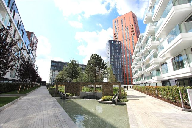 2 bed flat to rent in Nine Elms Point, Vauhxall, London