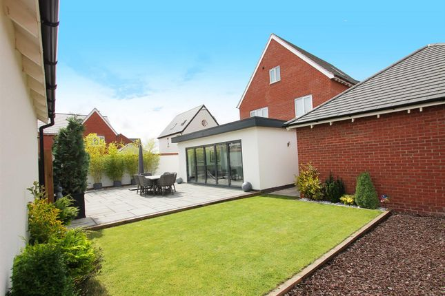 Thumbnail Detached house for sale in Emerson Close, Warwick