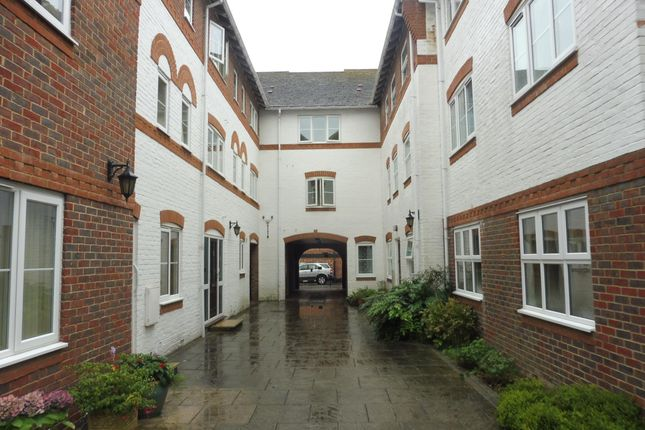 Thumbnail Flat to rent in Three Cuppes Lane, Salisbury