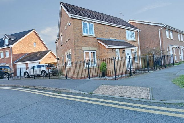 Thumbnail Detached house for sale in Runnymede Lane, Kingswood, Hull