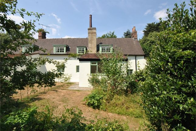 Thumbnail Cottage for sale in Fairfield Chase, Bexhill-On-Sea, East Sussex