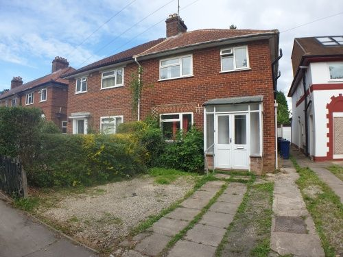 6 bed detached house to rent in Gipsy Lane, Headington OX3
