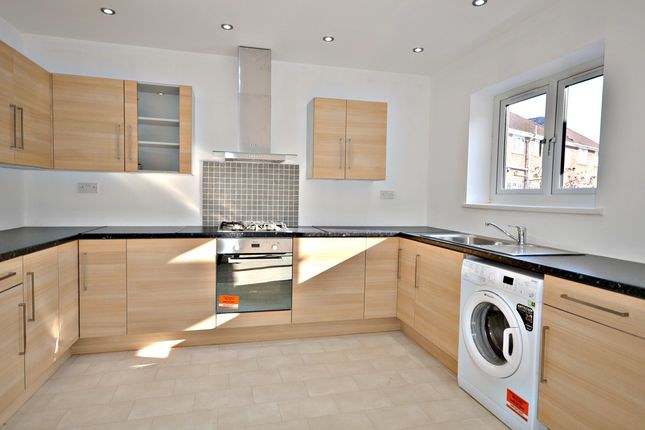 Thumbnail End terrace house to rent in Castleview Road, Langley, Slough