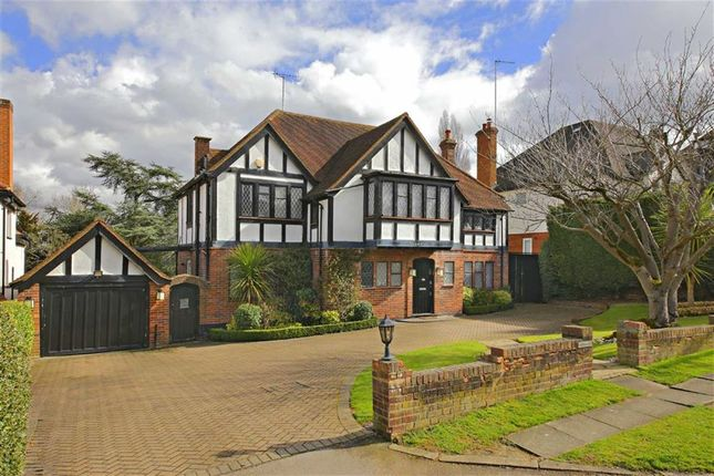Thumbnail Property for sale in Pine Grove, London