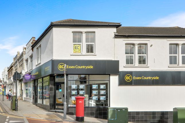 Thumbnail Flat for sale in Broadway, Leigh-On-Sea