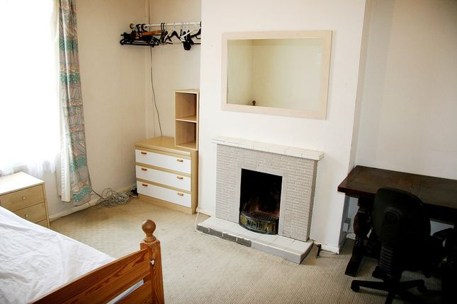Thumbnail Terraced house to rent in Amity Road, Reading