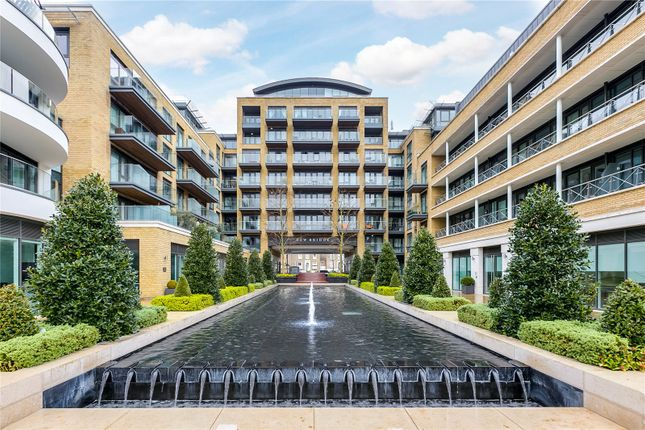 Thumbnail Flat to rent in Quayside House, 8 Kew Bridge Road, Brentford