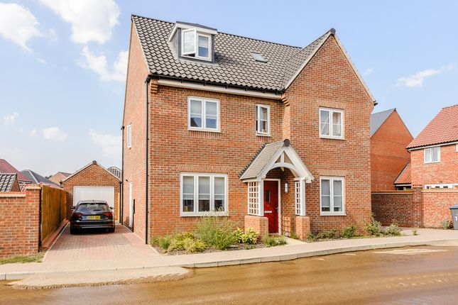 Thumbnail Detached house for sale in Elm Close, Woodbridge