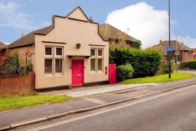Thumbnail Detached house to rent in Portsmouth Road, Horndean, Waterlooville