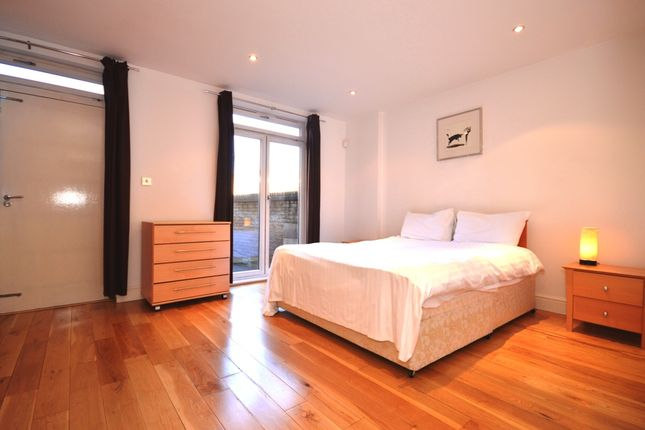 Thumbnail Property to rent in Three Colt Street, London