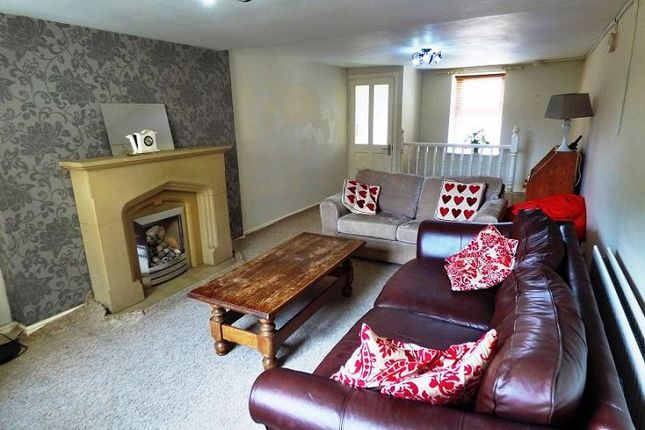 Thumbnail Terraced house to rent in Hadfields Avenue, Hollingworth, Hyde