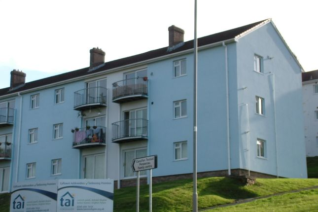 Thumbnail Flat to rent in 14, Tremafon, Penparcau