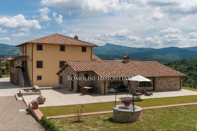 Farm for sale in Poppi, Tuscany, Italy