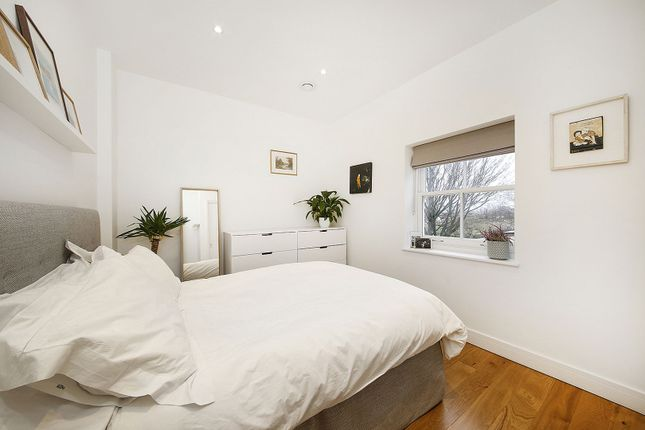 Bedroom of Lewisham Way, London SE4