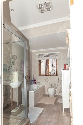 Thumbnail Detached house for sale in Bedfordview, Gauteng, South Africa