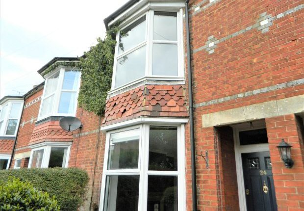 Thumbnail Property to rent in Barttelot Road, Horsham