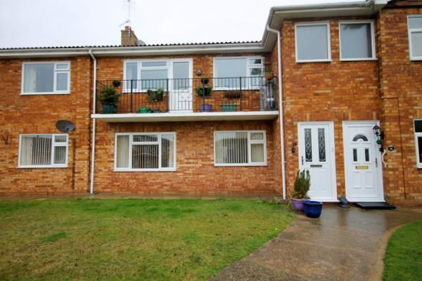 Thumbnail Flat for sale in Uplands Court, Clacton-On-Sea