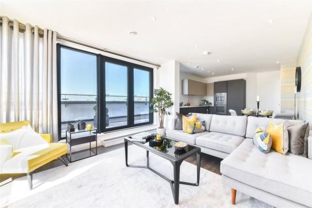 Thumbnail Flat for sale in Bunton Street, Woolwich, London
