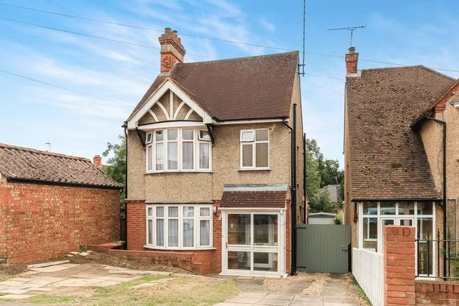 Thumbnail Detached house for sale in Albany Road, Leighton Buzzard