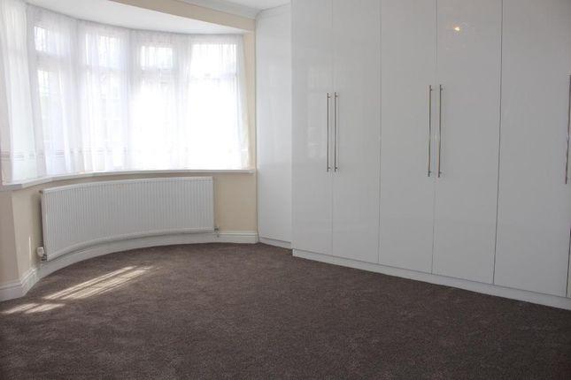 Bedroom Two of The Vale, Heston TW5