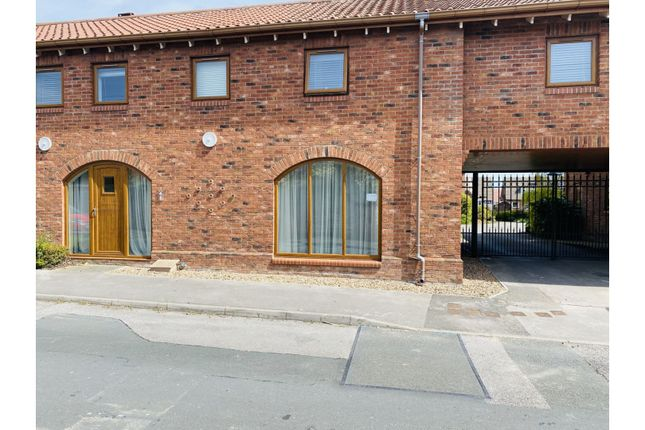 Thumbnail Terraced house for sale in Beck Lane, Hull