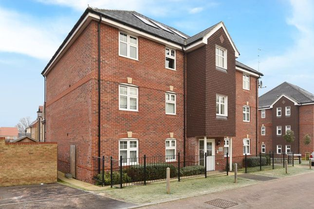 Thumbnail Flat for sale in Bagshot, Surrey