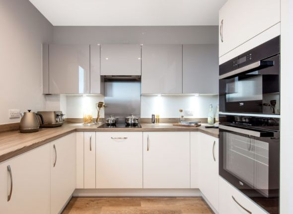 2 bedroom flat for sale in Carlton Road, Erith