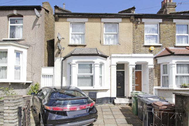 Thumbnail Flat for sale in Vicarage Road, London